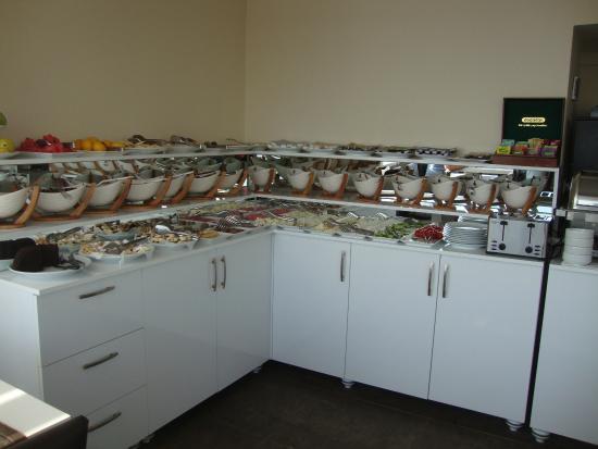 Karakoy Port Hotel: 6th floor breakfast buffet