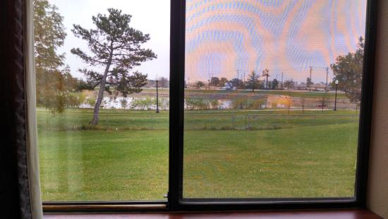 Super 8 Omaha Eppley Airport/Carter Lake: View from 111