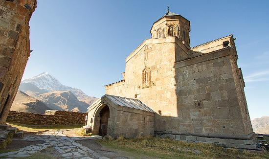 Gergeti Trinity Church - Picture of Gergeti Trinity Church ...