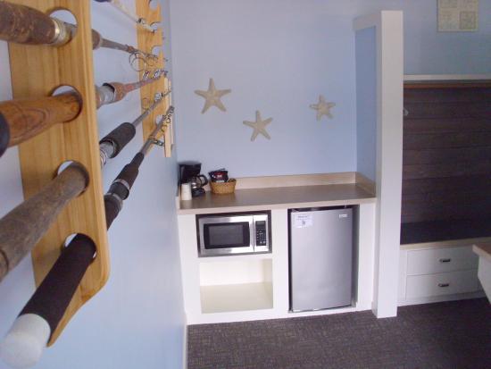 Garibaldi, Oregon: Fridge, microwave, coffee maker in every room