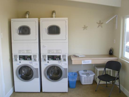 Harborview Inn & RV Park: Convenient on-site laundry room