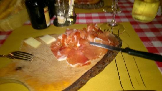 Ristorante Osteria Dal Cavaliere: Пармская ветчина