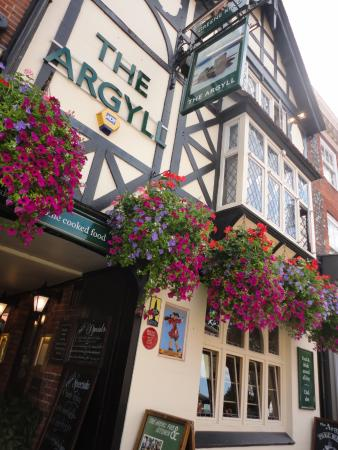 The Argyll Pub: Outside the pub