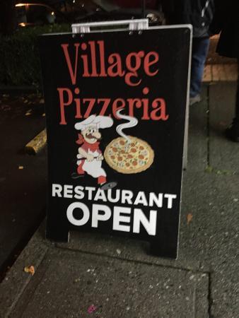 Village Pizzeria: photo0.jpg
