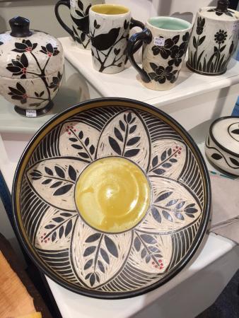 Floyd, Вирджиния: Karen Newgard pottery