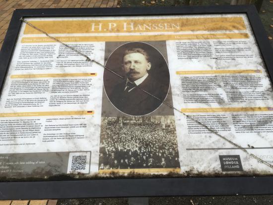 Sønnen Skulptur Af H P Hansen I Genforeningshaven I åbenrå Bild