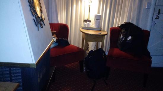 Carmel Fireplace Inn: Lareira