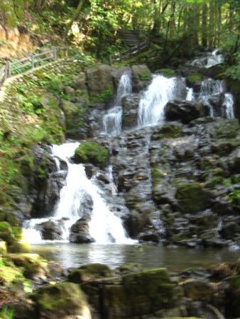 Nanatsudaki Falls: 一番大きな滝