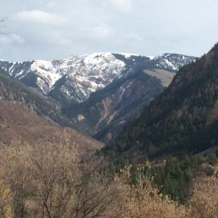 Avalanche Ranch: View from the grounds