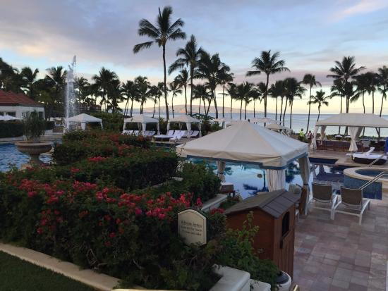 Cabanas Grand Wailea : Abalone chowder at humuhumu picture of grand wailea a