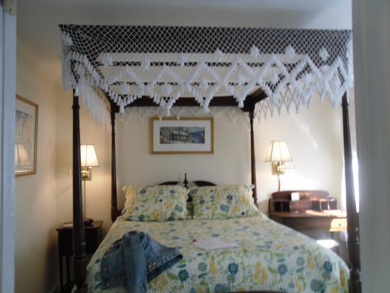 The Lightkeepers Inn: Room #1