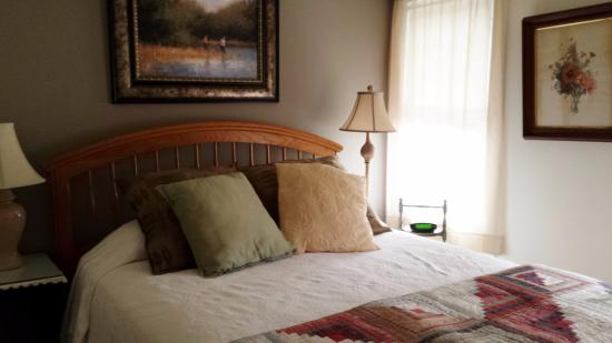 Eagles Mere, PA: One of the 17 rooms available