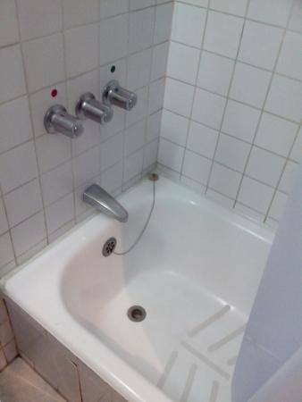 Hotel Ariosto: Tina de baño