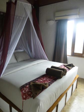 Anankhira Villas: chambre