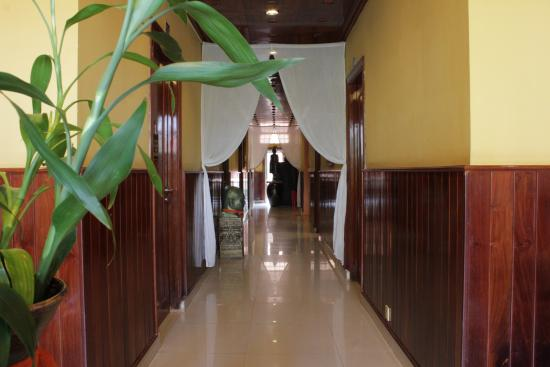 Golden Temple Villa: Hotel Interior