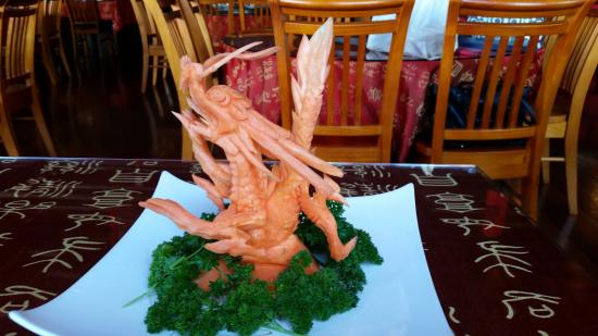 New Plymouth, Nueva Zelanda: Dragon sculpture carved out of carrots