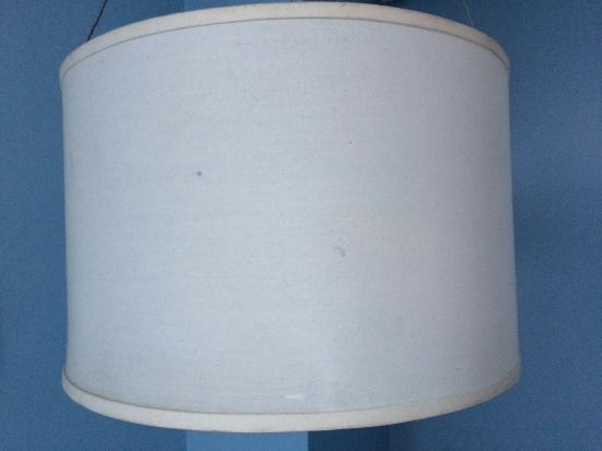Manila Grand Opera Hotel: Even the lampshade is dirty and seen better days,