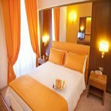 Max Hotel: ORANGE DOUBLE ROOM