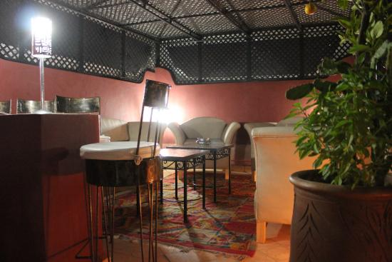 Riad Mboja : le salon terrasse