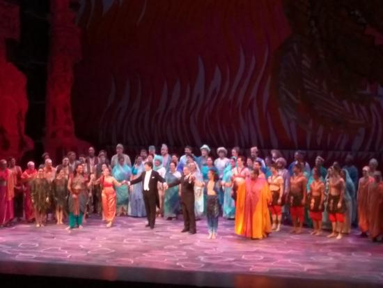 Seattle Opera: Closing : the Pearl Fishers