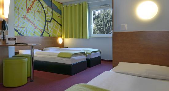 B&B Hotel Mannheim: Dreibettzimmer