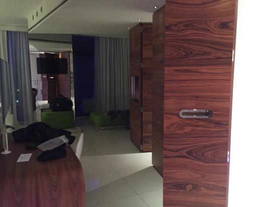 Picture of i suite design hotel rimini for Design hotel 69