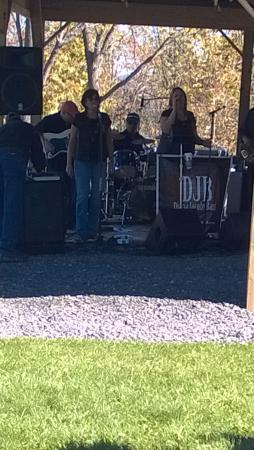 Toro Run Winery: the DBJ Band