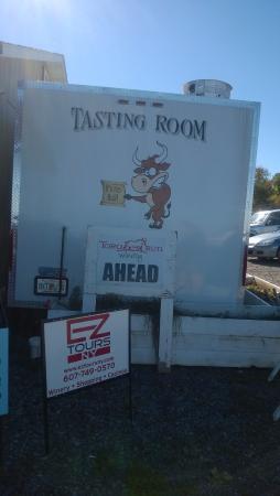 Toro Run Winery: Tasting Room Sign: No Bull