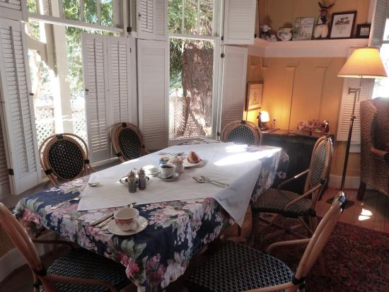 Sea View Inn: Breakfast room