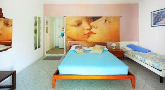 Lia Rooms 2