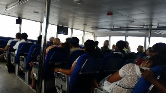 Creole Travel Services: Auf der Fähre