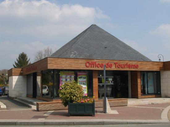 ‪Loches Tourist Office‬