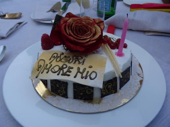 Tavernelle di Panicale, Ιταλία: lovely birthday cake