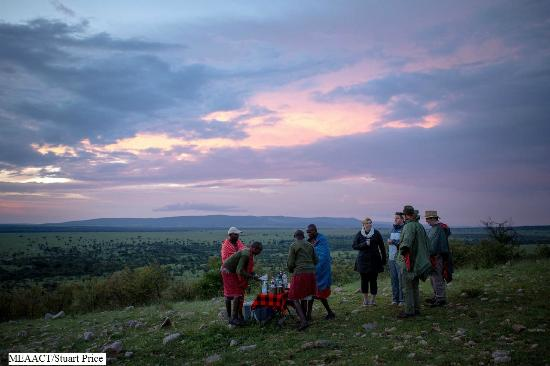 Porini Mara Camp: Sundowners at scenic points