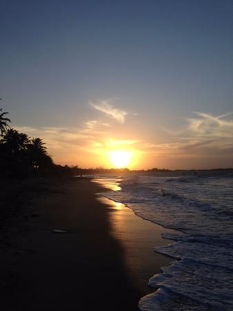 Coqueiro Beach: Praia do Coqueiro Luís Correia PI BR