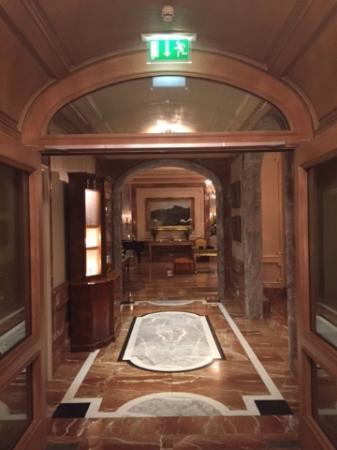 Fischers Fritz: Hotel lobby
