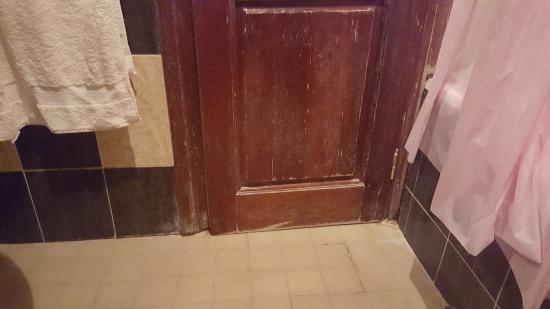 Hotel Atlantide: Toilet