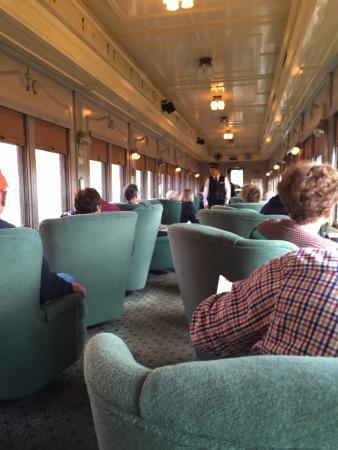 Essex, Коннектикут: View inside the Pullman car of the train.
