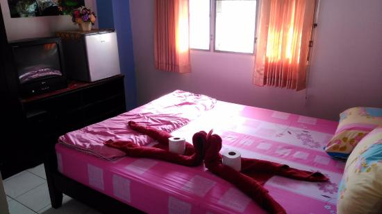 Laila Food and Drink Guesthouse: Room