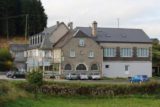 Recoules-d'Aubrac, Frankreich: Vue de l'autre côté du Bès
