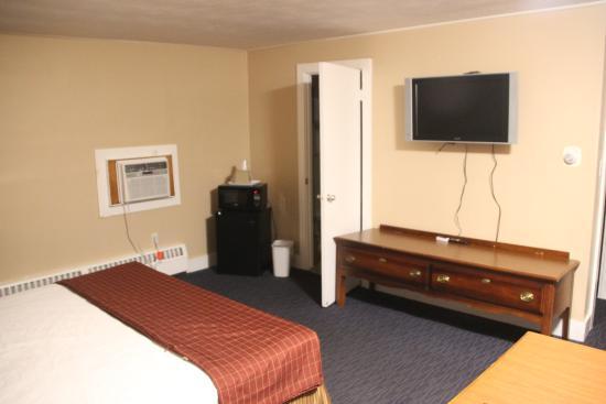 Capri Motel - Room