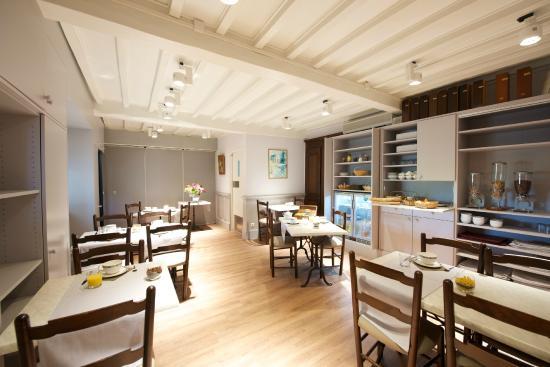 Berenx, ฝรั่งเศส: Salle petits déjeuners