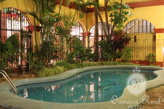 Hotel Oaxaca Real: Nuestra Alberca al aire libre.