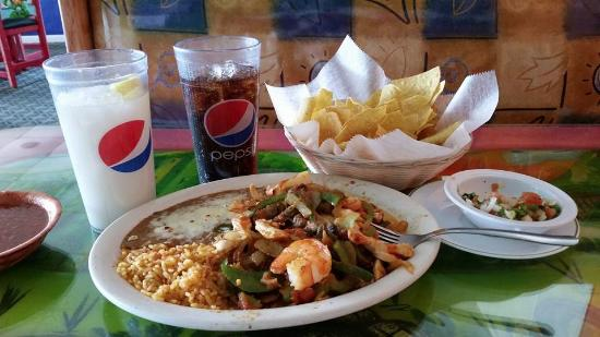 Shrimp Fajita Lunch, Los Jarritos in Lexington, Ohio