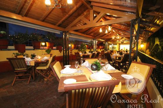 Hotel Oaxaca Real: La Terraza de Tita. A un costado del Restaurant.