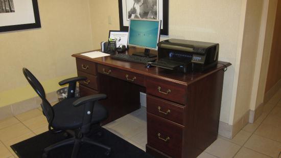 Fairfield Inn Boston Woburn/Burlington: business center