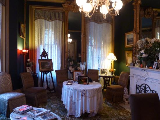 The Harry Packer Mansion Tours: Sitting room