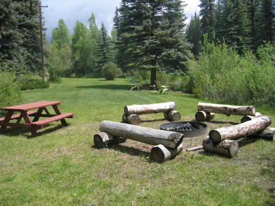 Eagle's Nest Cabins & Homes: Campfire Ring