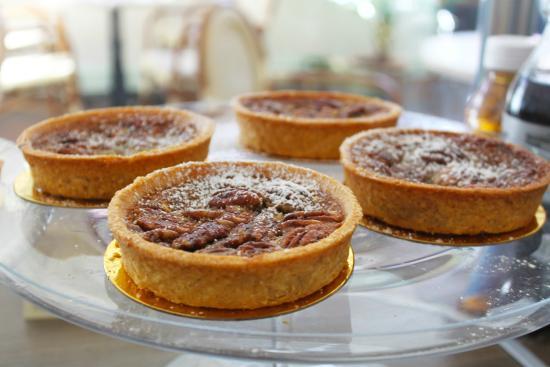 Cafe M: Pecan Pies