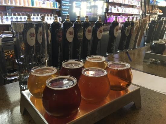 New Holland Brewing Company: Probeer zeker een sample-set van 6 stuks!